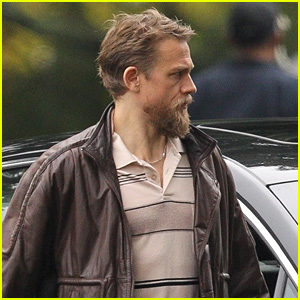 Charlie Hunnam Gets Into Character on the Set of 'Jungleland'!