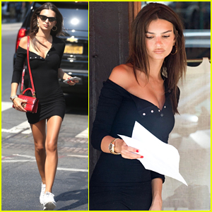 Emily Ratajkowski Grabs Lunch with a Friend in NYC