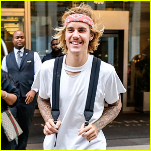 Justin Bieber Is All Smiles Leaving His Hotel in New York City!