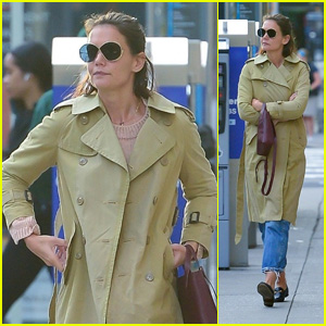 Katie Holmes Heads Out on a Cold Fall Day in NYC!