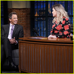 Kelly Clarkson Interviews Seth Meyers to Practice for Her Own Talk Show - Watch!