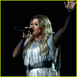 Kelly Clarkson Announces 'Meaning of Life' Tour - See the Dates!
