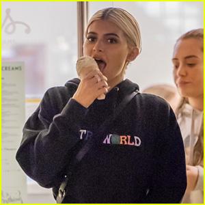 Kylie Jenner Sports a Travis Scott Sweatshirt While Grabbing Ice Cream!