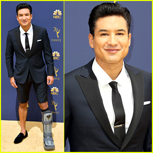 Mario Lopez Wears Shorts to Emmys 2018 to Show Off His Medical Walking Boot!
