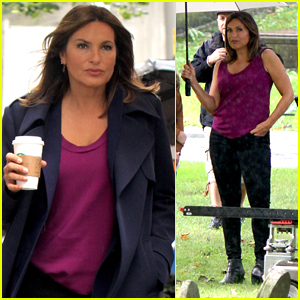 Mariska Hargitay Braves the Rain on 'Law & Order: SVU' Set
