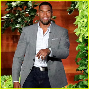Michael Strahan Reveals Whether He Would Join NFL Players Kneeling - Watch Now!