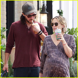 Pregnant Kate Hudson & Boyfriend Danny Fujikawa Step Out After Her Baby Shower