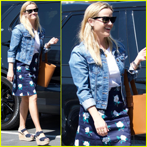 Reese Witherspoon Shares Some Sweets With Son Tennessee!