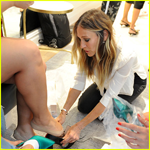 Sarah Jessica Parker Attends Launch of SJP Shoe Store in NYC!
