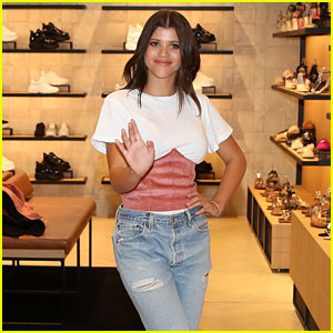 Sofia Richie Makes an Appearance at Windsor Smith in Australia!