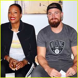 Stephen Amell Launches Aisha Tyler's Special Nocking Point Wine at a Fan Event!