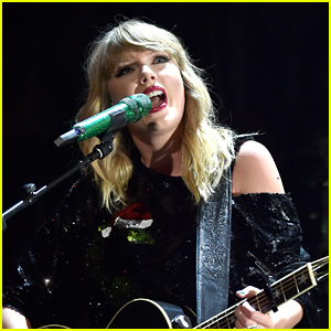 Taylor Swift Performs Rarely Heard Song, Gives Powerful Speech at 'reputation Tour' Show