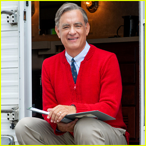 Tom Hanks as Mister Rogers - First Look Photo!