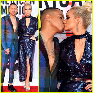 Ashlee Simpson & Evan Ross Couple Up at American Music Awards 2018!