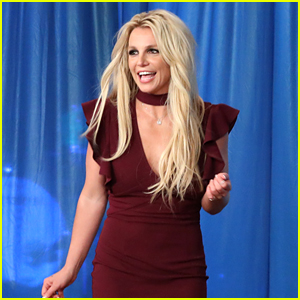 Britney Spears Announces That an Announcement is Coming!