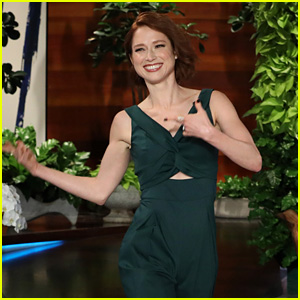 Ellie Kemper Embarrassed Herself in Front of a 'Riverdale' Star - Watch!