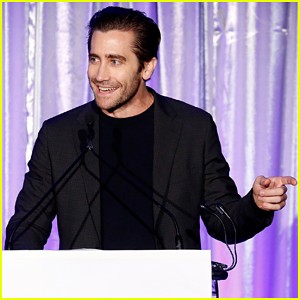 Jake Gyllenhaal Hits Stage at Headstrong New York Gala 2018!