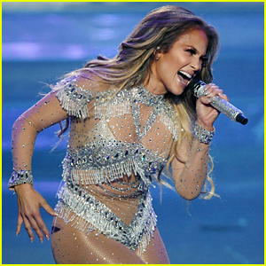 Jennifer Lopez to Debut New Single at AMAs 2018 Next Week!