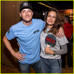 Jesse Lee Soffer & Torrey DeVitto Couple Up for SPiN Paddle Battle Event!