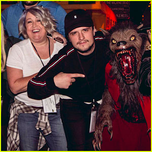 Josh Hutcherson Hits Up Halloween Horror Nights With His Mom & Friends!