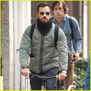 Justin Theroux Bundles Up for Bike Ride in NYC