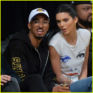 Kendall Jenner Makes an Outfit Change During Lakers-Rockets Basketball Game