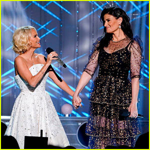 Kristin Chenoweth & Idina Menzel Sing 'Wicked' Hits at 15th Anniversary Special (Video)