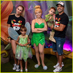 Luis Fonsi Visits Disney World With His Family!