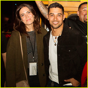 Mandy Moore & Wilmer Valderrama Check Out Universal Studios Hollywood's Halloween Horror Nights!