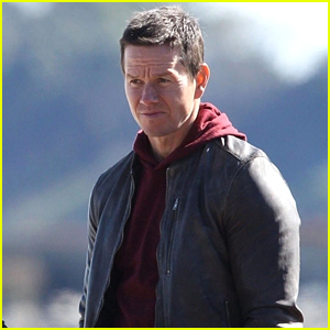 Mark Wahlberg Spends the Afternoon Filming 'Wonderland' in Massachusetts