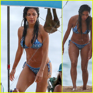 Nicole Scherzinger Looks Hot in a Bikini in Oahu!