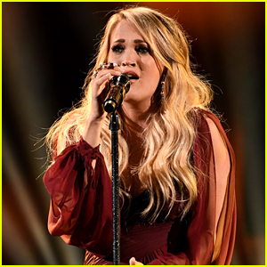 Pregnant Carrie Underwood Performs 'Spinning Bottles' at American Music Awards 2018 - Watch!