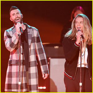 Adam Levine Sings Fleetwood Mac's 'Rhiannon' with His Team on 'The Voice' (Video)