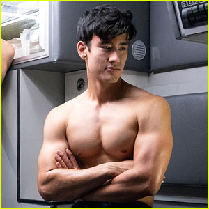 Grey's Anatomy's Alex Landi Opens Up About Asian & LGBTQ Representation in Entertainment