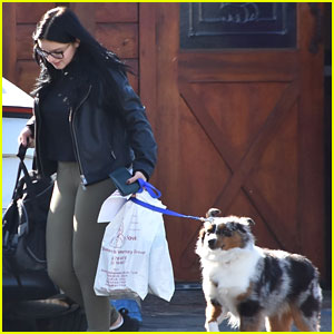 Ariel Winter Takes Her Pup to the Vet For a Check-Up