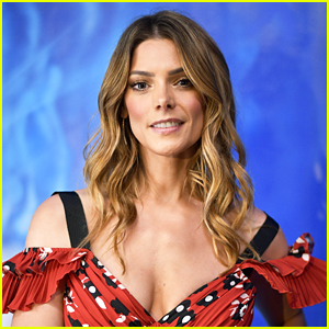 Ashley Greene & Shake Shack Are Feeding C.A. Firefighters