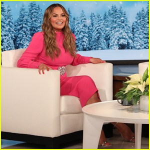 Chrissy Teigen Jokes About Her 'Horrible Feet' While Co-Hosting 'Ellen'!