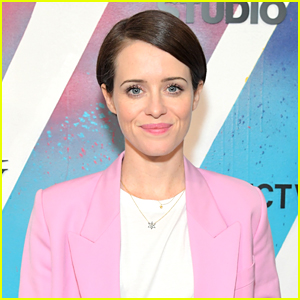Claire Foy to Host 'Saturday Night Live' in December!