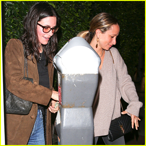 Courteney Cox Grabs Dinner with BFF Jennifer Meyer in Santa Monica!