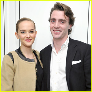 The Good Wife's Jess Weixler Is Pregnant with First Child!