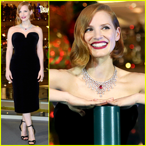 Jessica Chastain Kicks Off the Holiday Season!