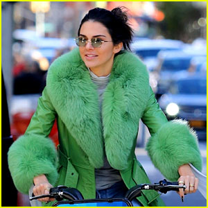 Kendall Jenner Takes a Bike Ride Around NYC on 23rd Birthday!