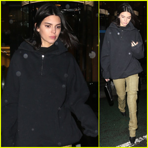 Kendall Jenner Heads Out in the Rain After a Victoria's Secret Fitting in NYC