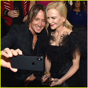 Nicole Kidman Cheers on Keith Urban During 'Never Comin Down' CMA Awards 2018 Performance!