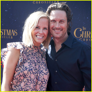 Oliver Hudson & Wife Erinn Bartlett Couple Up at 'The Christmas Chronicles' L.A Premiere!