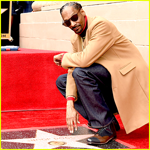 Snoop Dogg Thanks Himself While Accepting Star on Hollywood Walk of Fame!