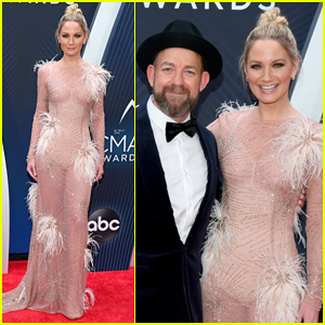 Sugarland's Jennifer Nettles & Kristian Bush Step Out for CMA Awards 2018
