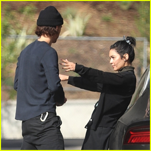 Vanessa Hudgens & Austin Butler Embrace During a Pre-Thanksgiving Smoothie Date