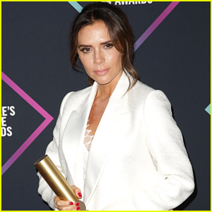 Victoria Beckham References Spice Girls During People's Choice Fashion Icon Award Acceptance Speech!