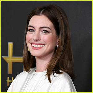 Anne Hathaway In Talks for 'Sesame Street' Live-Action Movie!